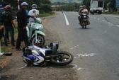 Lâm Đồng: Xe khách tông xe máy, 1 người bị thương nặng