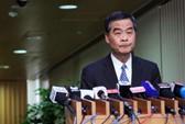 Gia đình quá áp lực, đặc khu trưởng Hồng Kông dừng chân