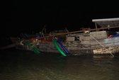 """Vây ráp """"cát tặc"""" trên sông Đồng Nai trong đêm"""