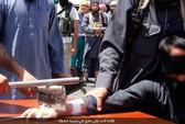 Ăn trộm, bị IS chặt tay trước đám đông