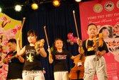 Văn nghệ gây quỹ giúp đỡ trẻ em khuyết tật