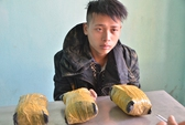 Bắt quả tang vận chuyển 5 kg ma túy từ Trung Quốc về Việt Nam