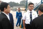 Bộ trưởng Thăng chỉ đạo máy bay mất áp suất lốp hạ cánh