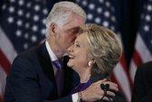 Tại sao bà Clinton mặc sắc tím khi phát biểu nhận thua?