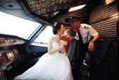 Độc đáo bộ ảnh cưới của 2 phi công Vietjet trong buồng lái