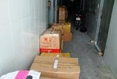 """Thu giữ hàng ngàn """"hàng sung sướng"""" mua từ chợ Kim Biên"""