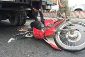 Đi xe máy vào làn đường ô tô, 1 người chết, 1 người nguy kịch