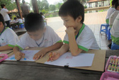 Có nên ép trẻ mầm non học chữ?