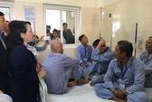 """Bộ trưởng Y tế """"nóng mặt"""" nhìn cảnh 4 bệnh nhân/giường"""
