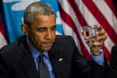 TT Obama uống nước lọc tại thành phố nhiễm độc chì
