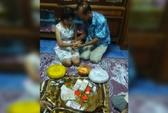 Chú rể 70 tuổi mang cả 'núi' vàng cưới vợ 17 tuổi