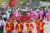 TP HCM: Hàng ngàn người dâng hương lễ giỗ Tổ Hùng Vương