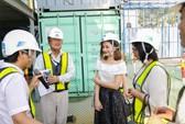 Lan Phương thăm công trường tàu điện ngầm Việt Nam
