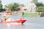 Vụ sập cầu Ghềnh: chuyển khách đi tàu ra ga Biên Hòa và ngược lại