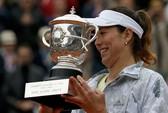 Đánh bại Serena, Muguruza lần đầu đăng quang Roland Garros
