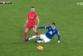 Henderson suýt gãy chân sau cú tắc bóng của Barkley
