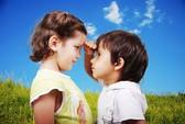 Trẻ vận động sớm sẽ chắc xương