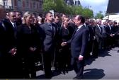 """Tổng thống và thủ tướng Pháp bẽ mặt vì bị """"phớt lờ"""""""