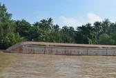 Chìm sà lan, 100 lít dầu tràn trên sông Đồng Nai