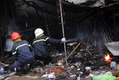 Căn nhà đang cháy đổ sập, 3 chiến sĩ PCCC thương vong