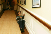 Nét đáng yêu của ái nữ nhà Obama trong ngày đầu vào Nhà Trắng