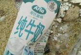 Dầu vón cục, chai lọ chữ Trung Quốc ngập tràn bờ biển Quảng Nam