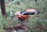 Ô tô 4 chỗ rơi đèo Prenn Đà Lạt, nhiều người bị thương