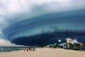 Đám mây đen kỳ lạ trên biển Sầm Sơn là có thật