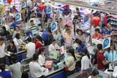 Người dân TP HCM đổ xô mua sắm
