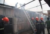 Cháy lán công nhân, nhiều người hoảng sợ