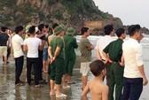 Chụp ảnh kỷ yếu, 2 nam sinh lớp 12 bị sóng biển cuốn mất tích