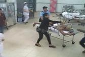 20 côn đồ xông vào bệnh viện truy sát bệnh nhân cấp cứu