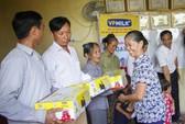Gia đình Công Phượng cổ vũ U22 Việt Nam bằng hành động ý nghĩa
