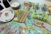 Phó chủ tịch xã bị bắt quả tang đánh bạc trong nhà nghỉ