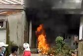 Giận vợ, đốt 2 xe máy hàng chục triệu đồng