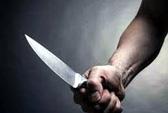 Đâm người rồi cầm dao đến công an tự thú