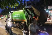 Xe rác chạy ngược chiều tông thiếu niên đi bộ