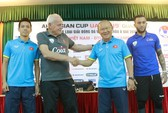 HLV Park Hang Seo tin Việt Nam đá bại Afghanistan trận ra mắt