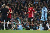 Mourinho cáo buộc Aguero đóng kịch khiến Fellaini bị đuổi