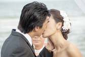 """Lưu Huỳnh khó tính, diễn viên """"hôn"""" rát môi"""