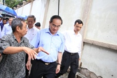 Dân kể khổ vì ngập với Bí thư Nguyễn Thiện Nhân
