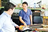 Đàn ghi ta cổ quái ở Việt Nam