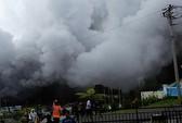 Đi cứu nạn nhân núi lửa, 8 người chết do rơi trực thăng