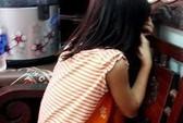 Bán tạp hóa dùng bánh kẹo dụ dỗ, dâm ô bé gái 12 tuổi