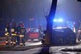 Ô tô đâm vào cây, Thủ tướng Ba Lan nhập viện bằng trực thăng