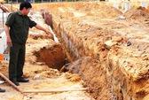 Sạt lở, hai công nhân bị chôn sống trong hố công trình