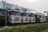 Xe tải Trung Quốc xếp hàng phơi nắng, chẳng ai mua
