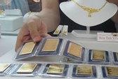 Vàng nội giảm chậm, cao hơn thế giới 6,6 triệu đồng/lượng