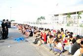 Rồng rắn hơn 12 giờ để mua vé trận Việt Nam - Arsenal