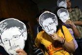 """Snowden chọn nhà báo dũng cảm để """"gửi vàng"""""""